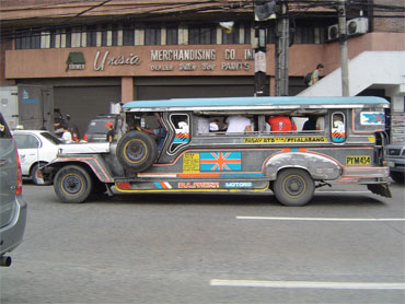 Viewpoint of Manila City and typical Philippines's coach