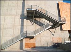 Advance Steel - Réalisation des escaliers extérieurs du Pôle de Loisirs et de Commerces - Lyon Confluence