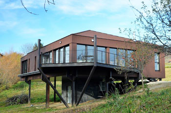 Low-energy house made of steel, France