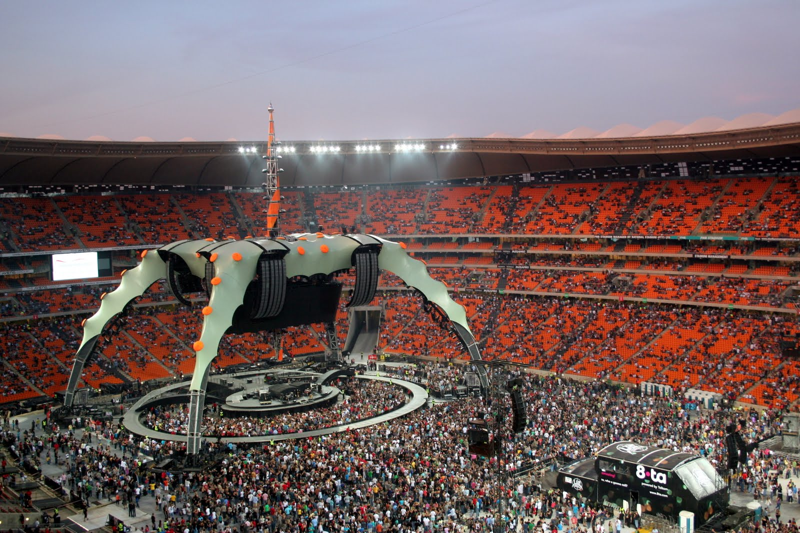 Founes Blog!: U2 360 Tour in Athens